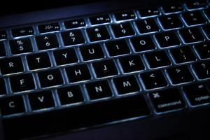 方 の パソコン アンダーバー 打ち アンダーバーの出し方/打ち方は?パソコンキーボードとスマホでの入力方法|Daily Breaker